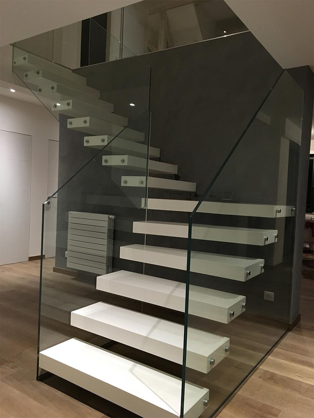 achat escalier vente duescalier mtallique en kit lyon with achat escalier cheap escalier. Black Bedroom Furniture Sets. Home Design Ideas
